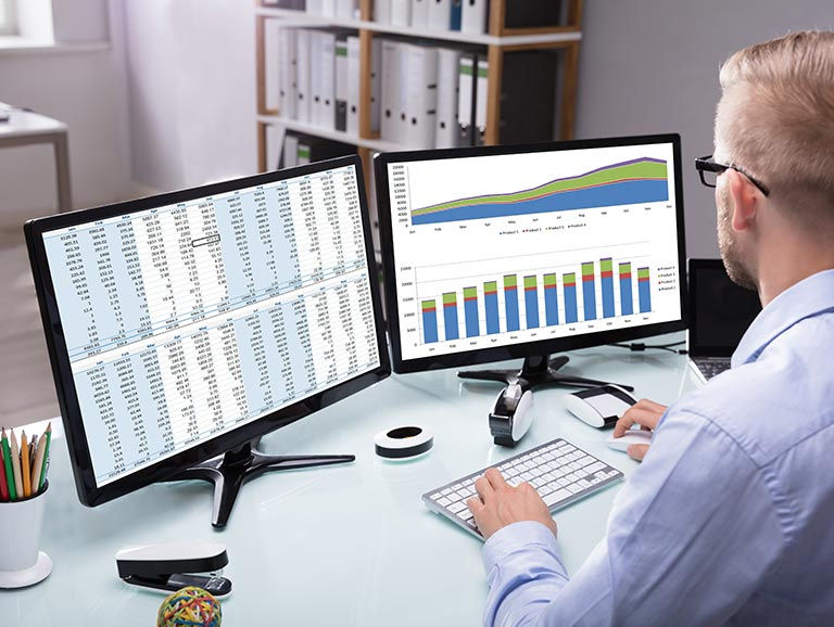 Data marketing analyst